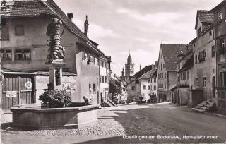 Überlinger Hänselebrunnen mit Blick zum Münster